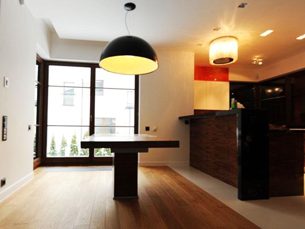 stol-na-zamowienie-salon-kuchnia-warszawa-szklo