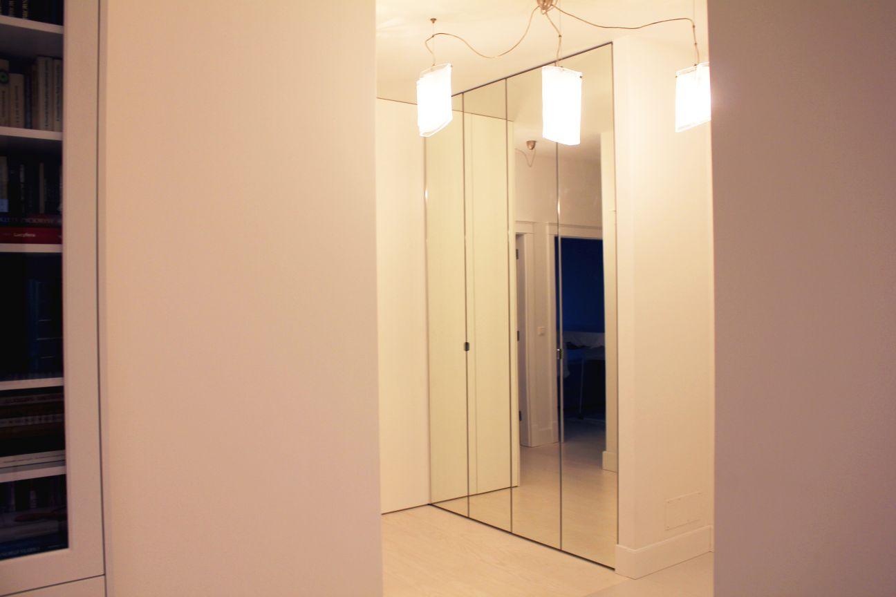 szafa do przedpokoju na wymiar z lustrami
