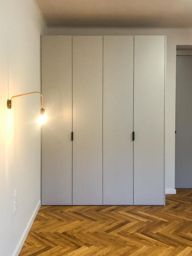 Szafa minimalistyczna szara